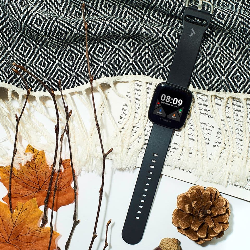 FitTrack Atria smartwatch