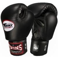 Muay Thai sparring gloves