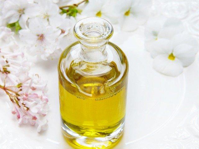 castor oil in a bottle