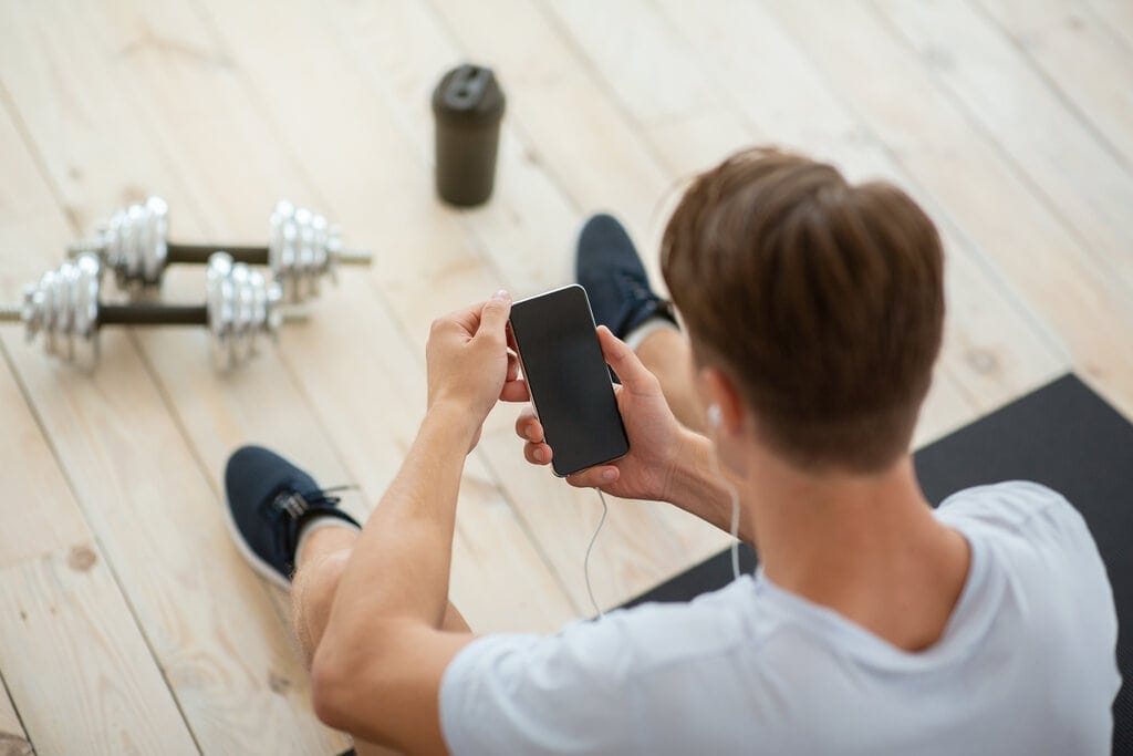 Best Workout Tracker Apps – 8 Picks To Help You Meet Your Fitness Goals